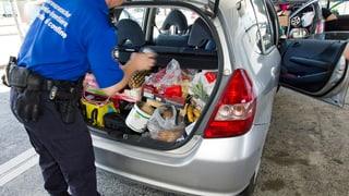 Einkaufstouristen fahren eine Stunde für Schnäppchen