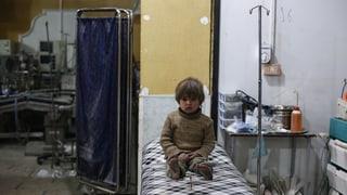 La miseria dals uffants en Sira – senza pleds