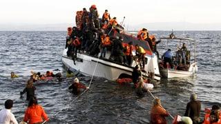 Tausende kommen trotz Kälte übers Meer