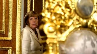 Merkel feilscht in Türkei um Flüchtlings-Konsens