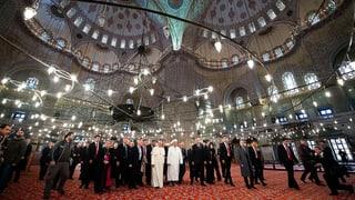 Papst besucht Istanbuler Sehenswürdigkeiten