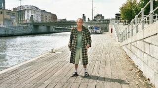 Gott lebt in Brüssel – und er trägt Bademantel