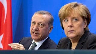 Fall Böhmermann: Merkel erinnert an Kunstfreiheit in Deutschland