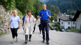 Nach dem grössten Bergsturz in Graubünden seit Jahrzehnten werden weiterhin acht Menschen vermisst. Ihr Schicksal ist ungewiss.
