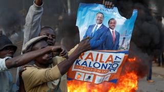 Amtsinhaber Kenyatta in Führung – Tote bei Protesten