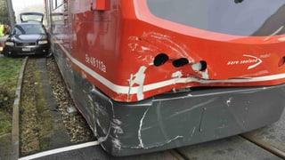 Flumenthal: Autolenkerin kollidiert mit dem «Bipperlisi»