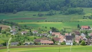 Fünf andere Dörfer mit fünf verschiedenen Herausforderungen: Vom Bauboom über die Landflucht zum Migrationsdorf