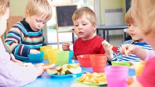 Startschwierigkeiten für Mittagstische und Krippen im Aargau