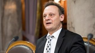 Stefan Engler davart sia moziun: cumissiun federala per dumondas linguisticas