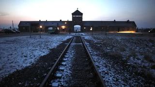 30 mutmassliche Nazi-Verbrecher am Pranger
