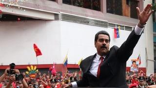 Maduro legt den Amtseid ab