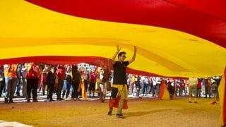 Spanierinnen und Spanier haben dafür demonstriert, dass die Konfliktparteien miteinander verhandeln. Lesen Sie hier mehr darüber.