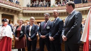 Die Hälfte der Legislatur ist vorbei. Das sind die fünf neuen Nationalräte, die zu Beginn der Wintersession in der grossen Kammer vereidigt wurden.