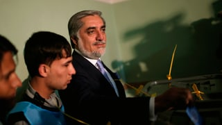 Erste Wahlrunde geht an Abdullah