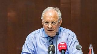 «Rut la confidenza»: Schneider-Ammann crititgescha sindicats