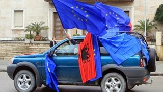 EU will Beitrittsverhandlungen mit Albanien und Mazedonien