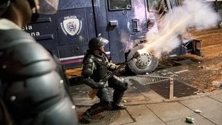 Gewaltexzesse statt Politik: Chaos in Venezuela