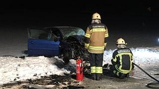 Autofahrer stirbt nach Frontalkollision in Oberbuchsiten