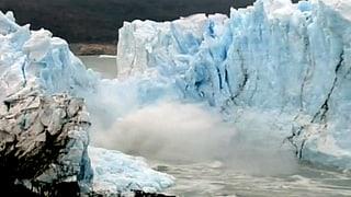 Wenn Tonnen Eis ins Wasser krachen