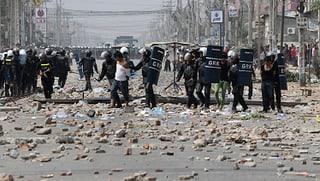 Militärpolizei in Kambodscha schiesst auf Demonstranten