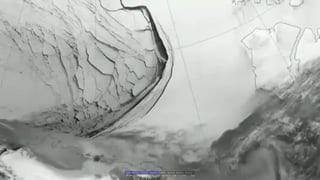 Riesige Eiskappen brechen in der Beaufortsee ab