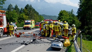 Drei Todesopfer bei Autounfall in Alpnach