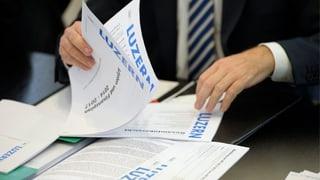 Finanzkommission kritisiert Sparpaket der Luzerner Regierung