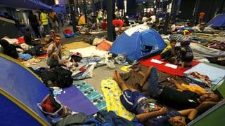 Ungarn lässt Flüchtlinge offenbar gen Westen ziehen