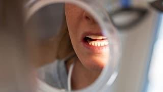Die Urner Zahnarztpraxis auf Rädern deckt einen Missstand auf (Artikel enthält Audio)