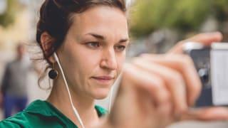 Kopfhörer auf, Smartphone an – das Spiel kann beginnen