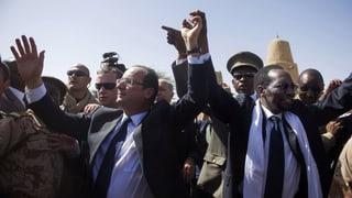 Hollande auf Truppenbesuch in Mali