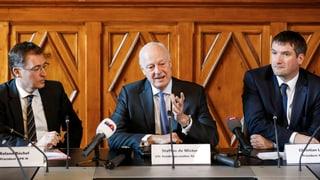 In der Kritik stehen insbesondere auch die inoffiziellen Reisen von Schweizer Parlamentariern.