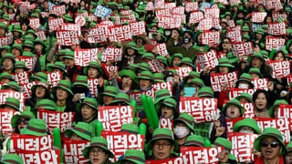 Protestas da massa cunter Park Geun Hye