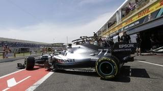 Mercedes dominiert erste Trainings und strebt die Nummer 10 an
