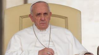Papst bittet Missbrauchsopfer um Vergebung