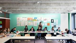 Strusch sustegn per iniziativa dubla da scola