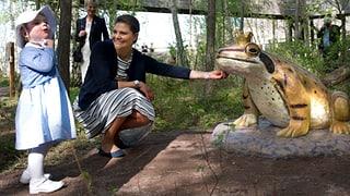 Prinzessin Estelle verweigert Froschkönig ein Küsschen
