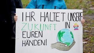 Uffants han protestà per meglra protecziun dal clima