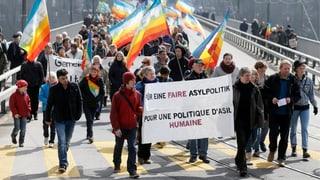 Ostermarsch gegen revidiertes Asylgesetz