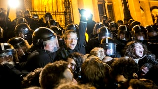 Tausende Ungarn protestieren gegen Korruption