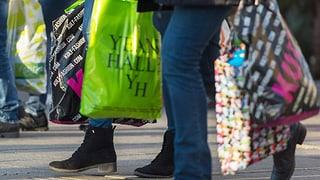 Economia svizra: consuments pli pauc optimistics