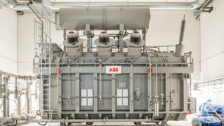 ABB-Konzern strafft Transformatoren-Produktion und lagert Stellen nach Polen aus.
