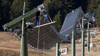 Südkoreaner fahren auf Solar-Skilift Tenna ab