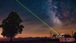 Berner Astronomen suchen den Weg durch die Trümmer im All