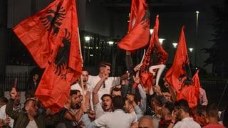Koalition der Kriegskameraden oder der Radikal-Opposition: Zwei Generationen kämpfen um den Wahlsieg in Kosovo.