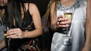 Der Alkoholkonsum sinkt – die Zahl der Raucher ist stabil