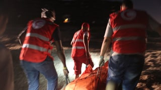 Flüchtlingsboote gekentert: Mindestens 200 Tote