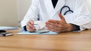 In welcher Sprache muss ein Arzt kommunizieren können?