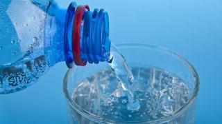 Ist 2014 abgelaufenes Mineralwasser noch trinkbar? (Artikel enthält Audio)