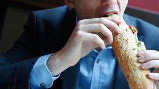 Regelmässig essen statt ständig snacken